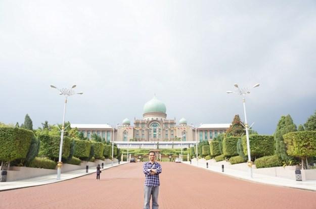 """""""Istana Merdeka""""-nya Perdana Menteri Malaysia di Putrajaya, KL."""