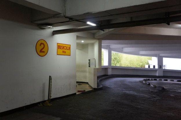 Mushola basement di sebuah mall besar